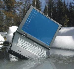 Ноутбук упал в воду