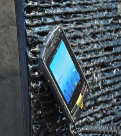 Caterpillar теперь еще и мобильник