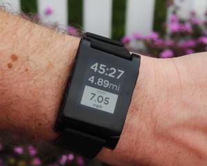 Pebble презентовала новые умные часы