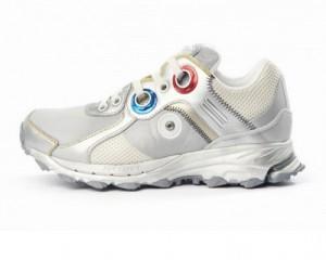 Кроссовки, что меняют внешний вид на ходу